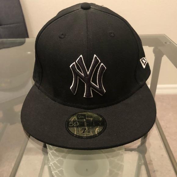 469107a2aa3 Yankees new era 59 50 baseball fitted cap